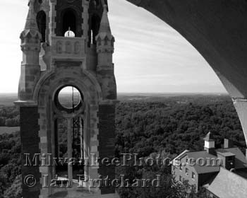 Photograph of Holy Hill Window Frame from www.MilwaukeePhotos.com (C) Ian Pritchard